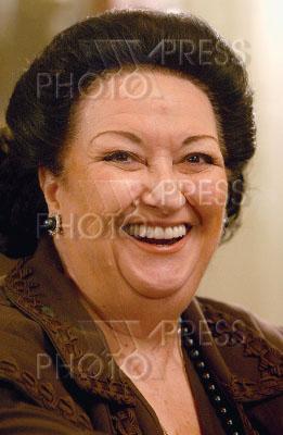 753492 / Монсеррат Кабалье. Испанская оперная певица Монсеррат Кабалье на пресс-конференции.