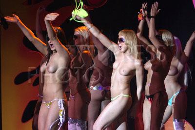 tantsovshitsi-klubov-porno
