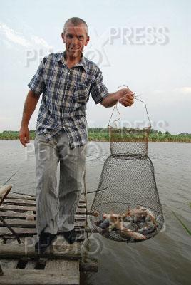 рыбак с садком