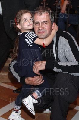 актер вячеслав разбегаев и его семья фото парк развлечений аттракционов
