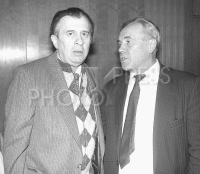 3789671 / Жигулин и Астафьев. Писатели Анатолий Жигулин (слева) и Виктор Астафьев.