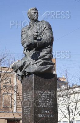 3943188 / Памятник Мусе Джалилю. Памятник татарскому поэту Мусе Джалилю.