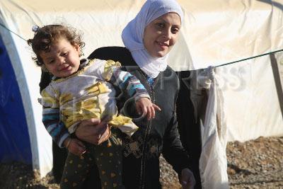 4163639 / Беженцы из Мосула. Наступление на Мосул. Лагерь для беженцев Эль-Хазер (Иракский Курдистан). На снимке: иракцы, бежавшие из захваченного боевиками ИГИЛ Мосула.