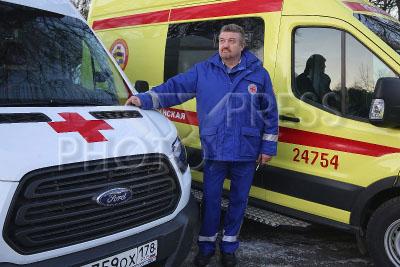 4168724 / Автомобили скорой помощи. Приемка автомобилей скорой помощи для оказания экстренной медицинской помощи жителям Санкт-Петербурга.