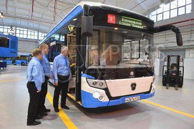 4171394 / Электробус. 17-й автобусный парк. На снимке: электробус ЛиАЗ-6274 компании `Группа ГАЗ`, купленный МУП `Мосгортранс`.