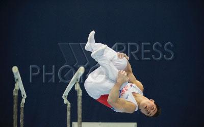 4172089 / Артур Далалоян. 23-й Международный турнир по спортивной гимнастике на Кубок Михаила Воронина. На снимке: гимнаст сборной команды России Артур Далалоян выполняет упражнения на брусьях.