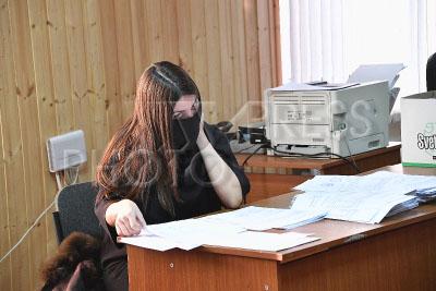 4174932 / Мара Багдасарян. Участница гонок на внедорожнике Mercedes Gelandewagen Мара Багдасарян приступила в качестве подсобного рабочего к выполнению обязательных работ в ГБУ `Жилищник`,  назначенных ей судом за административные правонарушения.