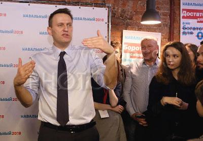 4183173 / Алексей Навальный. Открытие первого регионального предвыборного штаба Алексея Навального в Санкт-Петербурге. Основатель Фонда борьбы с коррупцией Алексей Навальный.