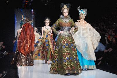 4195399 / Коллекция SLAVA ZAITSEV. Fashion Week Russia`. Показ коллекции MB Presents SLAVA ZAITSEV.