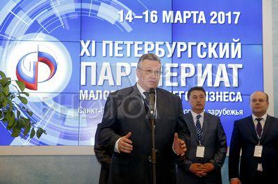 4195523 / Сергей Мовчан. На снимке: вице-губернатор Санкт-Петербурга Сергей Мовчан (слева).