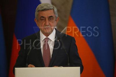4195807 / Серж Саргсян. Визит президента Армении в Россию. На снимке: президент Армении Серж Саргсян на совместной пресс-конференции с президентом РФ.