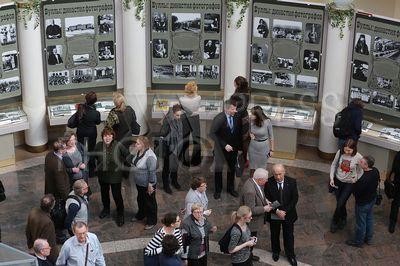 4197245 / Выставка `Буллы: династия фотографов`. Вернисаж выставки `Буллы: династия фотографов`.