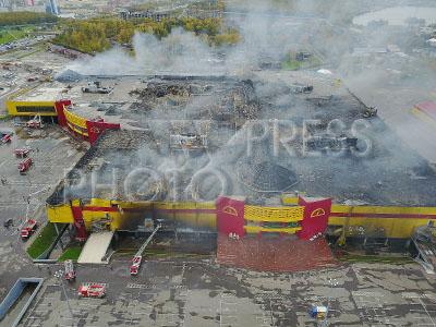 4257135 / Пожар на стройрынке `Синдика`. Пожар на строительном рынке `Синдика`. Ликвидация последствий пожара.