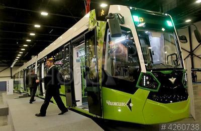 4260738 / Форум SmartTRANSPORT. Международный инновационный форум пассажирского транспорта SmartTRANSPORT. Трамвай `Чижик`, который будет курсировать в Красногвардейском районе Санкт-Петербурга по первой частной трамвайной линии компании ЛСР.