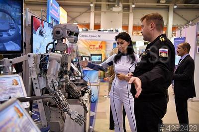 4262428 / Робот. ХXI Международная выставка средств обеспечения безопасности государства `Интерполитех - 2017`. Робот `Федор`.