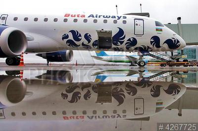 4267725 / Самолет Embraer-190. Аэропорт `Пулково`. Низкобюджетная авиакомпания `Buta Airways` из Азербайджана открыла регулярное сообщение между Санкт-Петербургом и Баку. Первый рейс. Самолет бразильского производства Embraer-190.