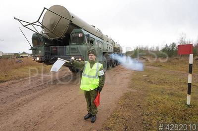 4282010 / Ракетный комплекс `Тополь`. Режицкая дивизия Ракетных войск стратегического назначения (РВСН). Мобильный ракетный комплекс `Тополь`.