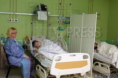 4295935 / Детская больница. Детская городская больница №1. Палата интенсивной терапии в новом отделении скорой медицинской помощи.