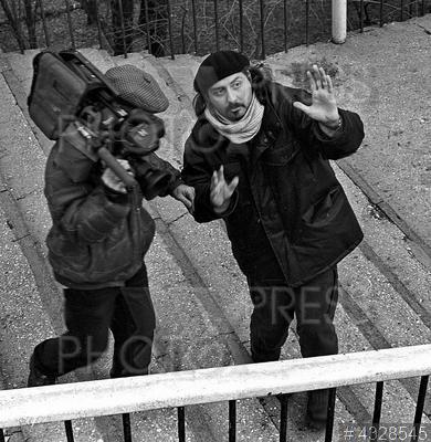 4328545 / Кечеджиян и Серебренников. Съемки фильма `Ласточка`. На снимке: оператор Эдуард Кечеджиян и режиссер фильма Кирилл Серебренников (справа).