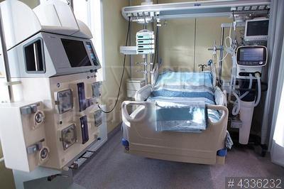 4336232 / Медицинская палата. Открытие нового корпуса Мариинской больницы. Палата интенсивной терапии.
