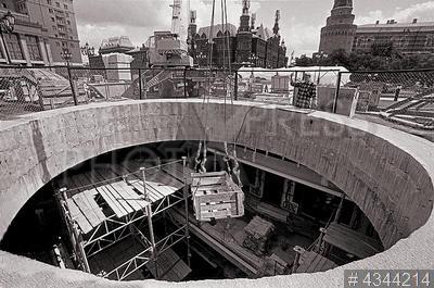 4344214 / Строительство ТЦ `Охотный ряд`. Манежная площадь. Строительство подземного торгового центра `Охотный ряд`.