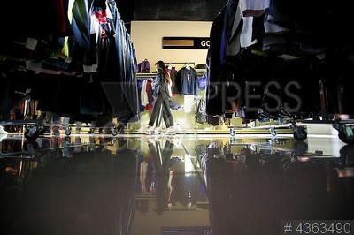 4363490 / Магазин Familia. Флагманский магазин Familia. Открытие корнера премиальных брендов Gold Brands.