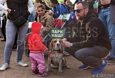 4388291 / Митинг в защиту парка. Акция протеста против строительства ТРК с океанариумом в парке Интернационалистов.