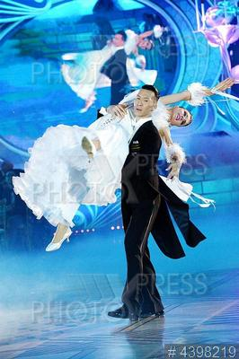 4398219 / Шоу `Звездный Дуэт`. Шоу `Звездный Дуэт – Легенды Танца`. Бальные танцы.