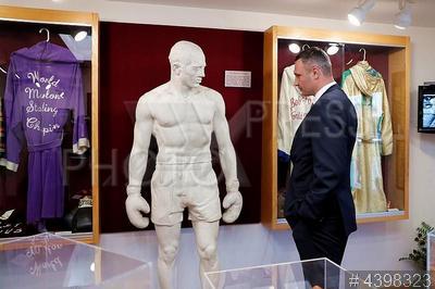 4398323 / Виталий Кличко. Боксер Виталий Кличко официально введен в Международный зал боксерской славы в США.
