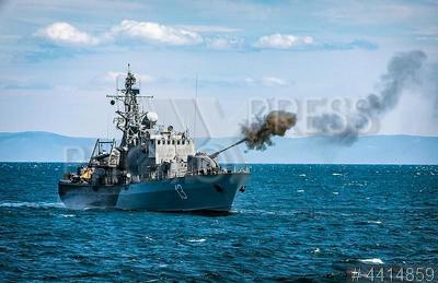 4414859 / Военный корабль. Военно-морские силы Болгарии. Учения болгарских военно-морских сил `Бриз 2018`. Военный корабль. Боевые стрельбы.