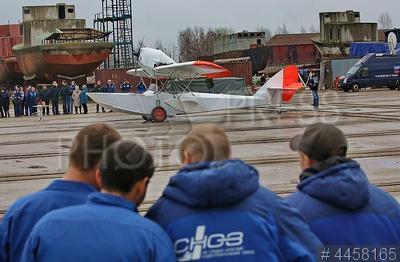 4458165 / Самолет-амфибия. Самолет-амфибия Ш-2.017 бис, возрожденный по чертежам первого советского серийного гидросамолета на Средне-Невском судостроительном заводе.