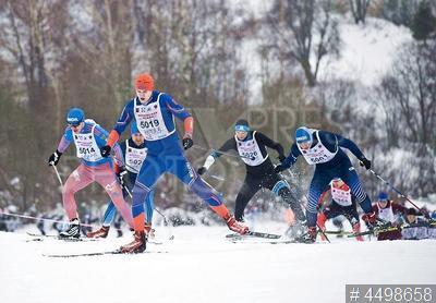4498658 / Соревнования `Московская лыжня`. Массовые соревнования по лыжным гонкам `Московская лыжня 2019`. Участники соревнований.