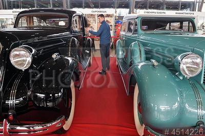 4514226 / Выставка `Олдтаймер-Галерея`. 28-я выставка старинных автомобилей и технического антиквариата `Олдтаймер-Галерея`. Ретро автомобили.