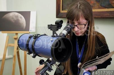 4517397 / Астрономический фестиваль. Центральная библиотека имени М.Ю. Лермонтова. Научно-популярный `Петербургский астрономический фестиваль`, организованный библиотекой совместно с астрономическим клубом Санкт-Петербургского отделения Астрономо-Геодезического объединения (СПАГО).