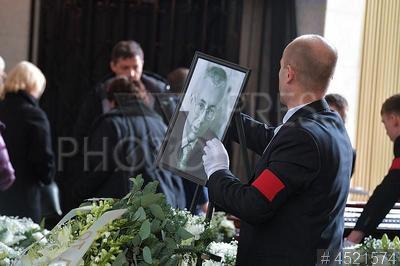 4521574 / Прощание с Игорем Малашенко. Прощание с политологом Игорем Малашенко.
