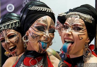 4533686 / Фестиваль татуировки. Московский фестиваль татуировки 2019. Девушки с пирсингом.