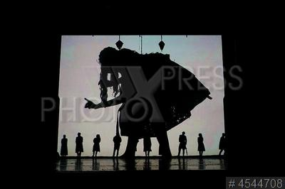 4544708 / Спектакль `Алиса в стране чудес`.