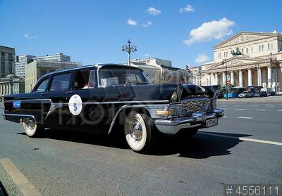 4556111 / Автомобиль ГАЗ 13 `Чайка`. Ралли классических автомобилей `Ингосстрах Exclusive Classic Day`. Автомобиль ГАЗ 13 `Чайка`.