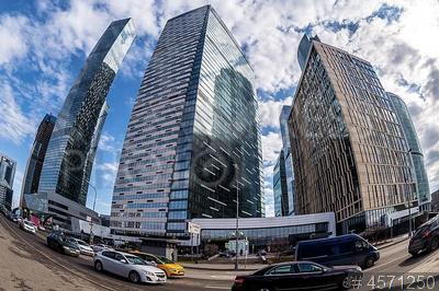 4571250 / Комплекс `IQ-квартал`. Московский международный деловой центр (ММДЦ) `Москва-Сити`. Вид на офисные здания многофункционального комплекса `IQ-квартал`.