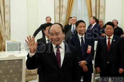 4582352 / Нгуен Суан Фук. Официальный визит премьер-министра Вьетнама в Россию. Премьер-министр Социалистической Республики Вьетнам (СРВ) Нгуен Суан Фук (слева).