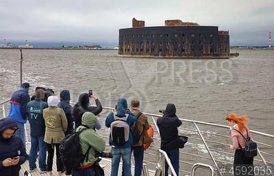 4592035 / Форт Кронштадта. Презентация туристско-рекреационного проекта `Кронштадт - остров фортов`. Форт `Император Александр I` (`Чумной`), входивший в систему обороны Кронштадта.