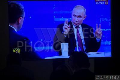 4789142 / Владимир Путин. Ежегодная специальная программа `Прямая линия с Владимиром Путиным`. Президент России Владимир Путин.