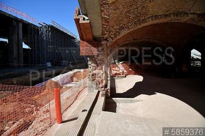 5859376 / Реконструкция бывшей ГЭС-2. Болотная набережная. Реконструкция здания бывшей ГЭС-2, в котором разместится культурный, выставочный и образовательный центр. Строительная площадка.