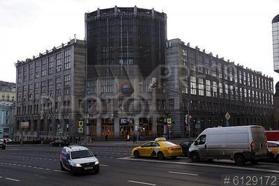 6129172 / Центральный телеграф. Тверская улица. Здание Центрального телеграфа, выставленное на аукцион.