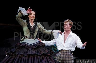6129493 / Снаткина и Нурулин. Актеры Анна Снаткина и Денис Нурулин.