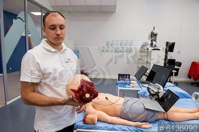 6136090 / Компания `EIDOSmedicine`. Группа компаний MedVision. Компания `EIDOSmedicine`. Производственный цех по изготовлению роботов-пациентов для медицинских целей. Симулятор взрослого пациента.