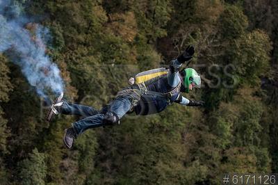 6171126 / Бейсджампинг. Skypark AJ Hackett Sochi. Второй фестиваль бейсджампинга `SkyparkBASE days 2016`.