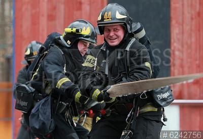 6242756 / Пожарно-тактические учения. Пожарно-спасательная служба №50. Пожарно-тактические учения.