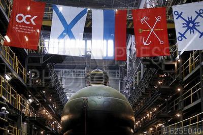6255040 / Подлодка `Магадан`. Судостроительный завод `Адмиралтейские верфи`. Торжественная церемония спуска на воду дизель-электрической подводной лодки `Магадан` проекта 636.3 для Тихоокеанского флота.