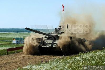 6273560 / Танк Т-72БМ3. Чебаркульский полигон. Финал всеармейского этапа конкурса АрМИ-2021 `Танковый биатлон` среди танковых взводов. Финальные заезды на танках Т-72БМ3.